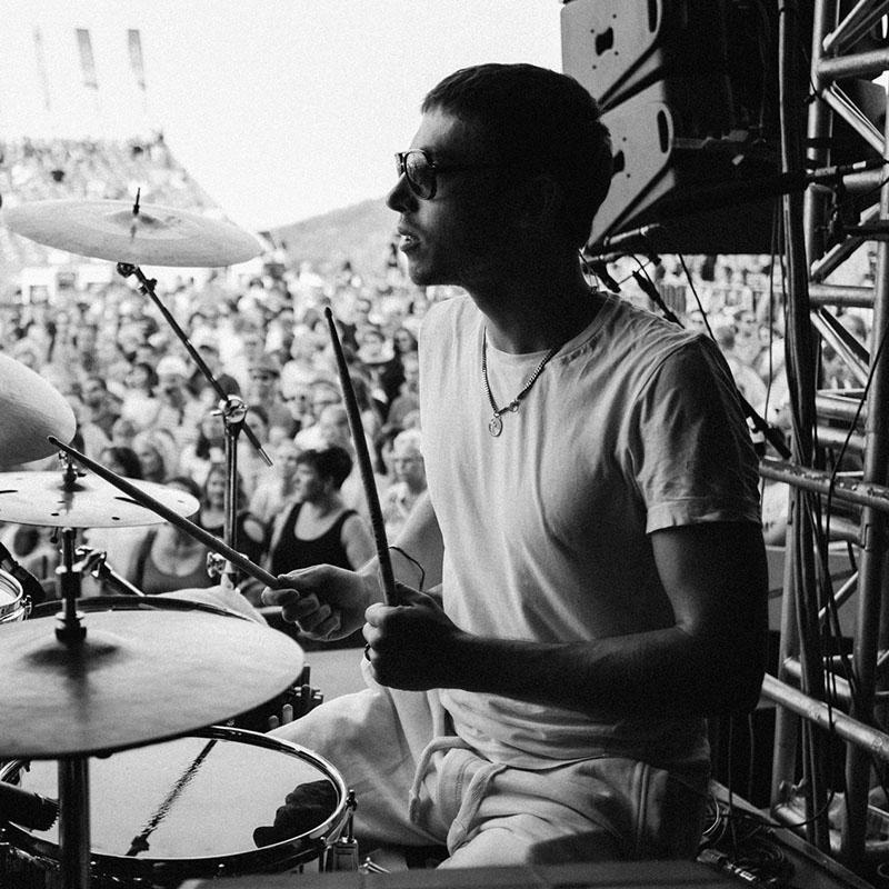 Paul Albrecht am Schlagzeug